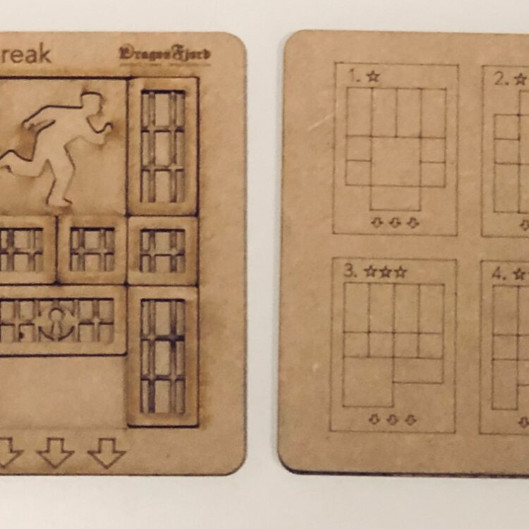 Prison Break sliding block puzzle by DragonFjord. Fun with many challenges!